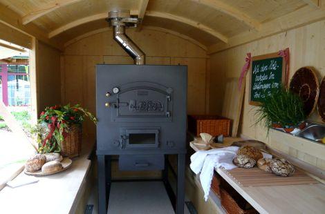 Innenraum mit Ofen