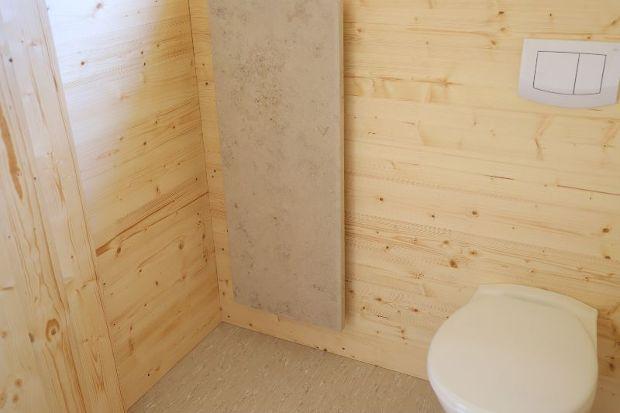 WC mit Natursteinheizung
