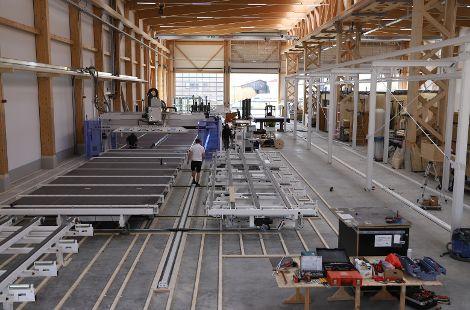 Produktionshalle mit Fachwerkstützen